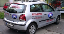 Fahrzeugverklebung im Digitaldruck für Pizzaservice in Esslingen
