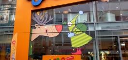 Schaufensterbeschriftung im XXL-Digitaldruck für Jako-o in Stuttgart