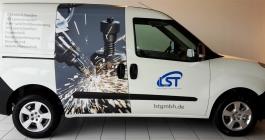 Fahrzeugbeklebung im Digitaldruck für Firma LST in Stuttgart