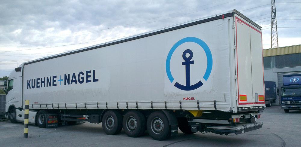 Planenauflieger-Beschriftung für Kühne+Nagel in Stuttgart